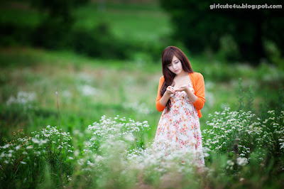 Ryu-Ji-Hye-Flower-Dress-12-very cute asian girl-girlcute4u.blogspot.com