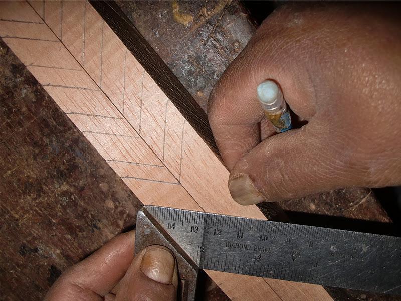 Decoraciones manualidades en madera como hacer persiana for Como se hace una puerta de tambor