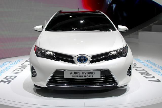 Новая Toyota Auris 2012