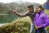 Yenthavaadu gaani movie photos-thumbnail-8
