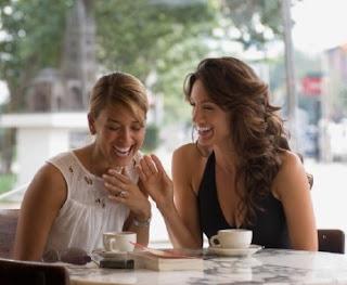 5 Tips Cara Membantu Teman Yang Sedang Putus Cinta