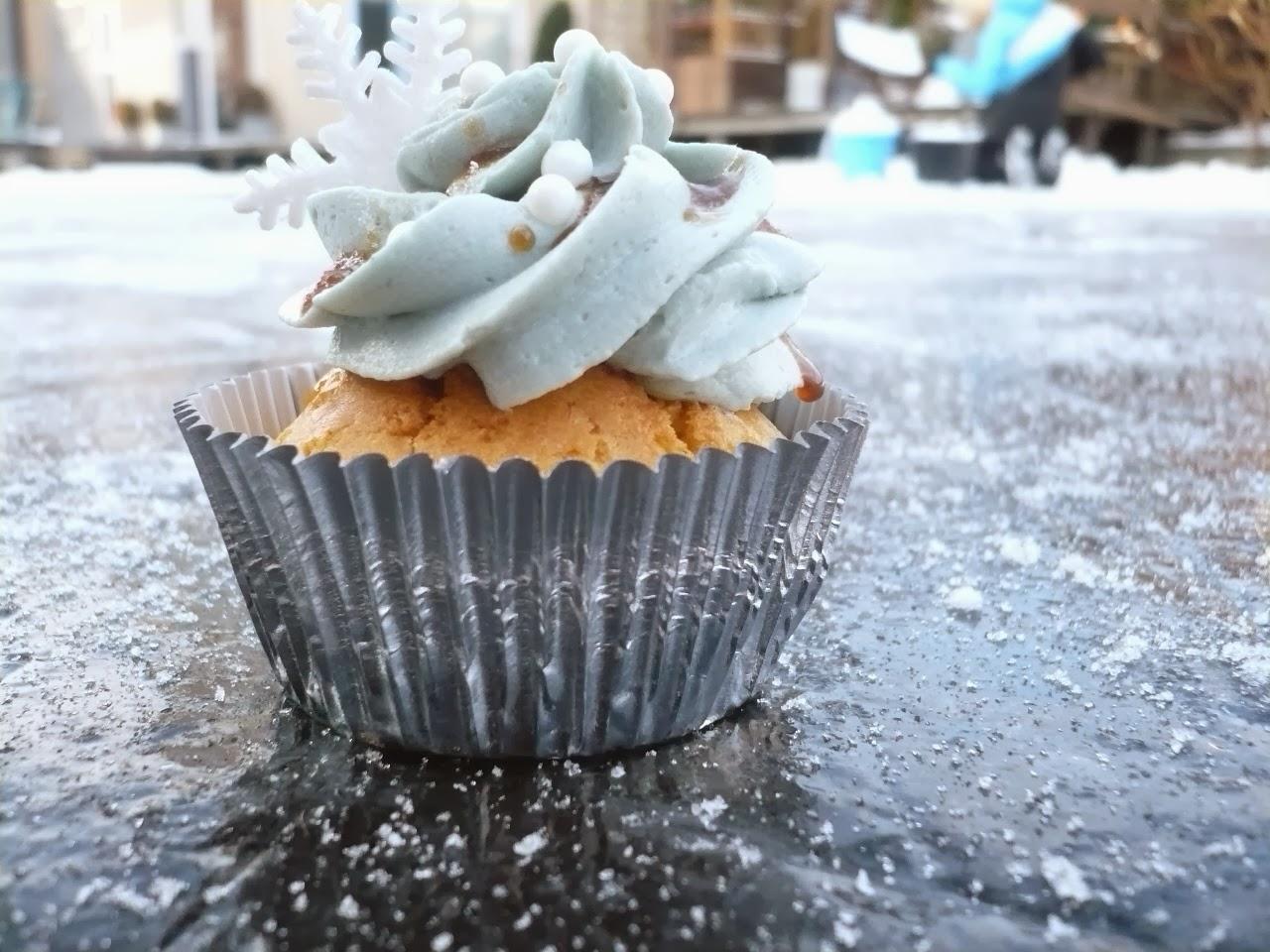 Custard cupcake met Beerenburg topping