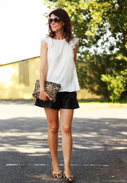 http://3.bp.blogspot.com/-vthmX3i4yaE/U7mEUC5D6YI/AAAAAAAAJQ4/AJudyTVtIOk/s1600/sequins+clutch4.jpg
