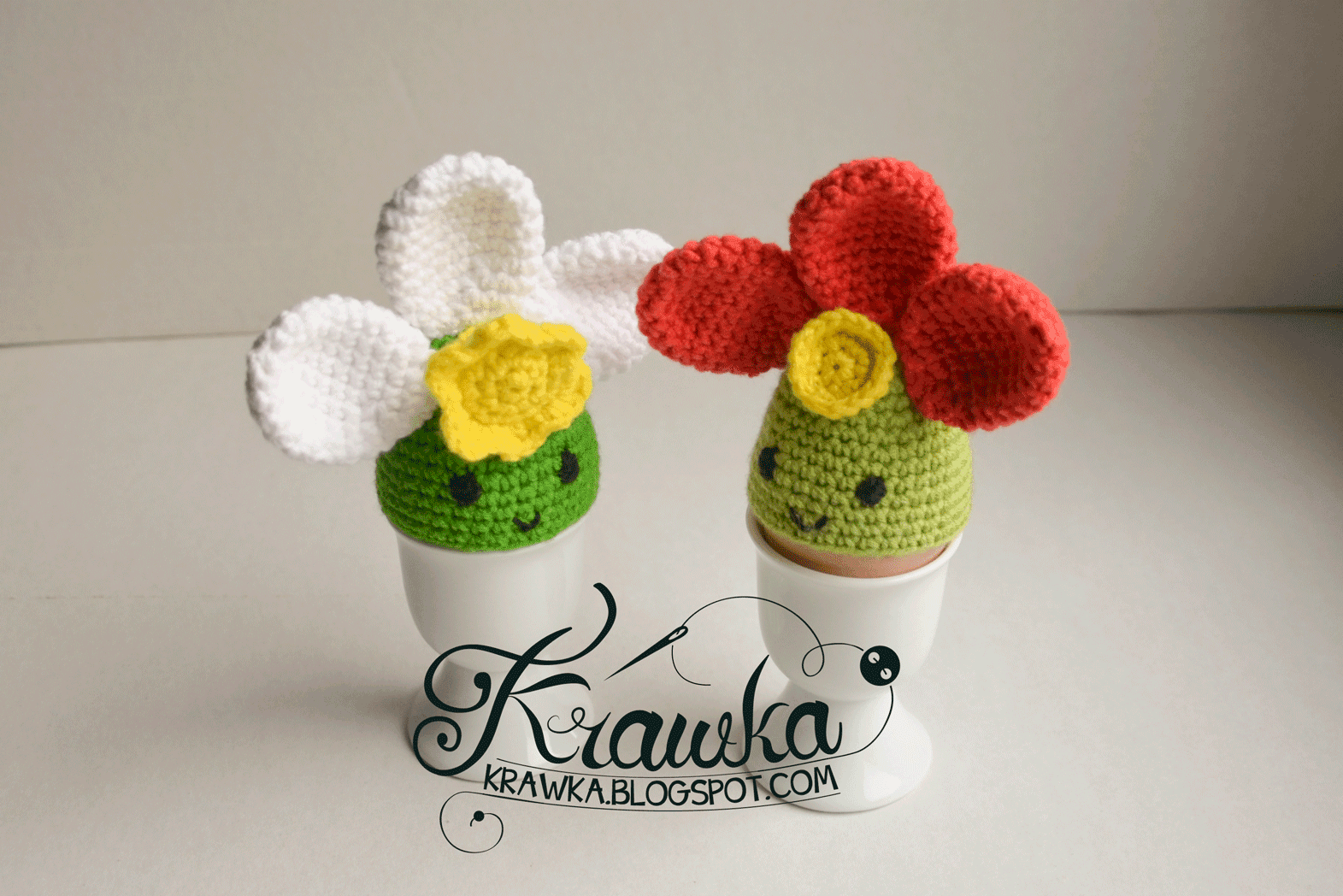 Krawka: Egg cozies - colorful Easter flowers for a table decoration or to Easter basket