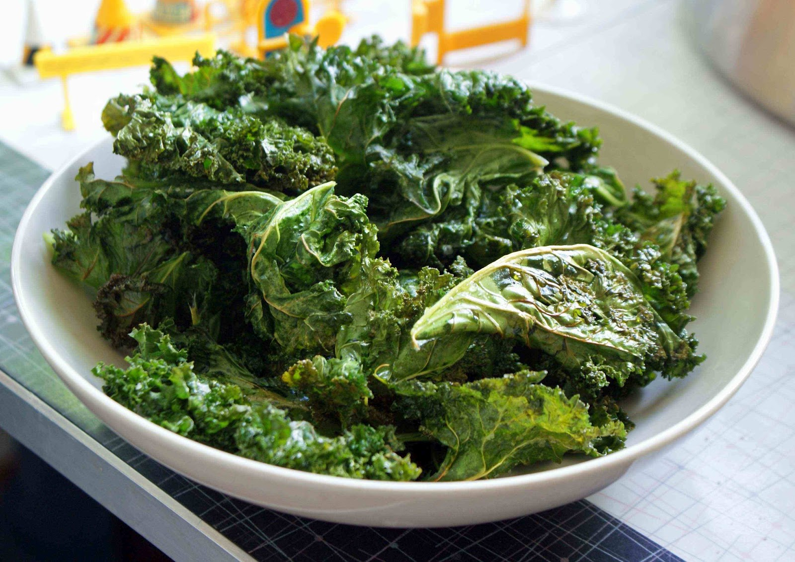 find out how you can make your own healthy kale chips with just 3 ...
