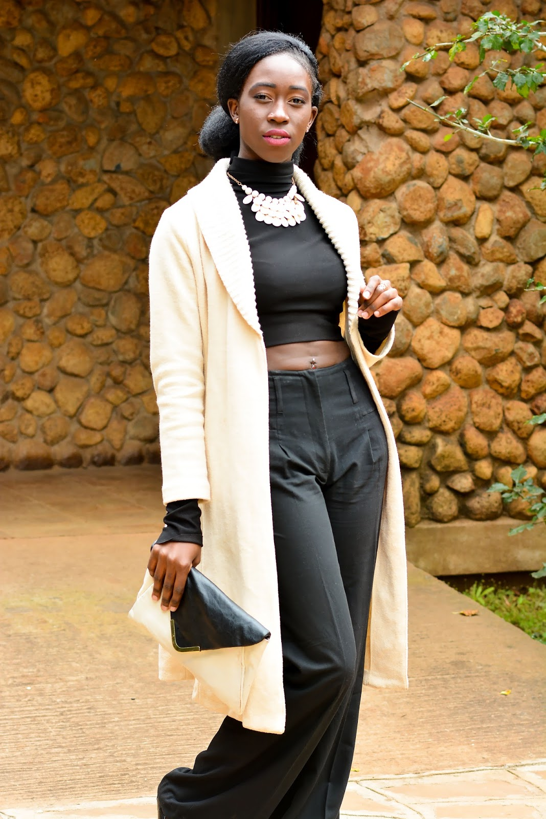 what to wear tot he office, how to style official pants, style with ezil, Ezil, African fashion blogger, Kenyan fashion blogger, All black outfit, caramel coat outfit, elegant outfit