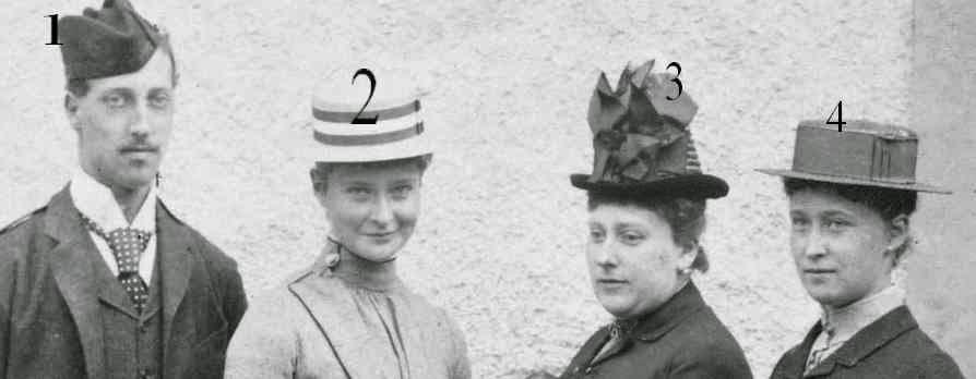 1-prince Albert Victor de Galles 2-princesse Alix de Hesse et du Rhin 3-princesse Henry de Battenberg 4-princesse Irene de Hesse et du Rhin