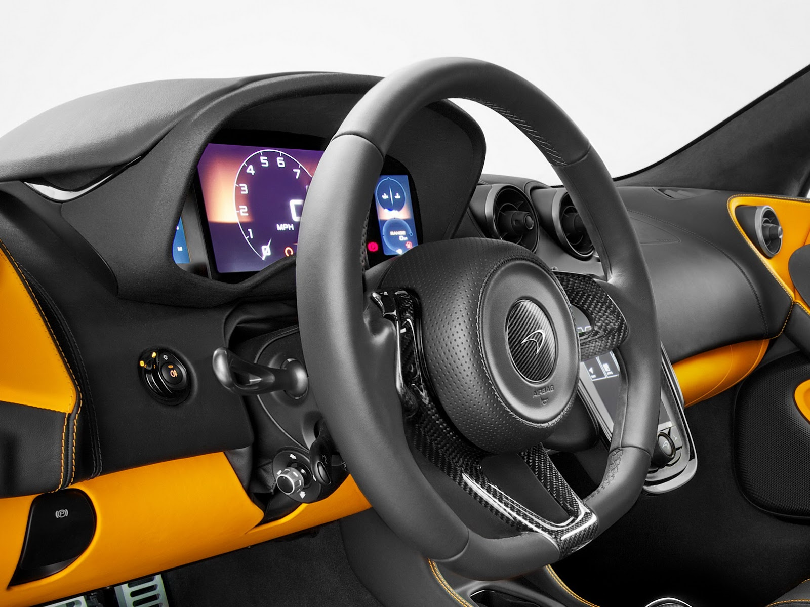 McLaren-570S-18.jpg