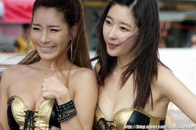 Park Si Hyun at Super Race R5 2011
