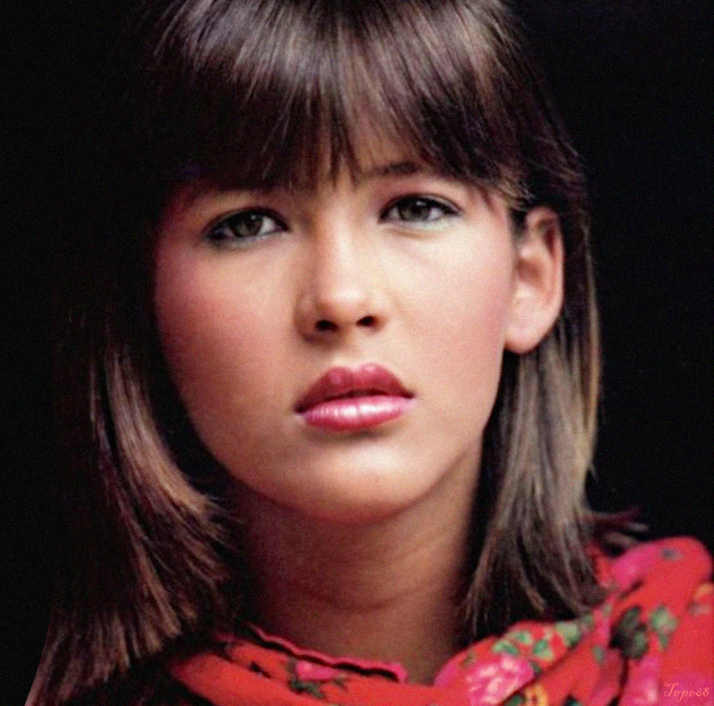 Young Celebrity Photo Gallery: Young Sophie Marceau Photos