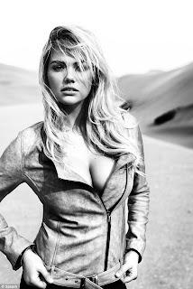 Kate Upton: Sedinta foto in desert