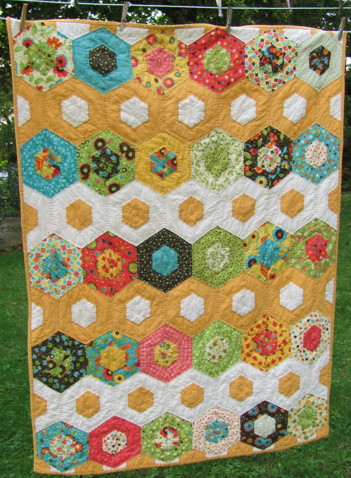 Quilting Templates Hexagon : All sizes of hexagons. tokyo_quilt (147), via Flickr.