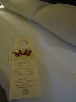 Servicio de descubierta o cobertura en los hoteles