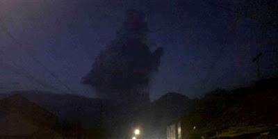 Wow !! Ada Penampakan awan berbentuk Semar