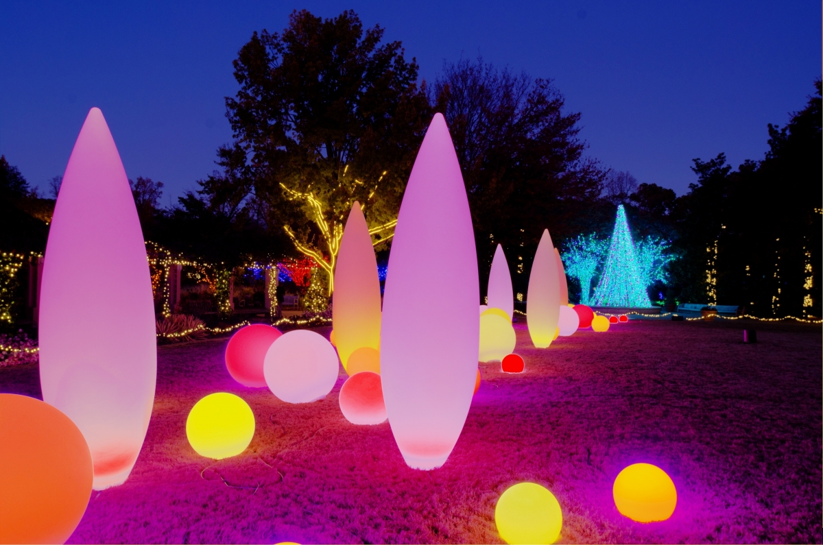my atlanta mommy: giveaway: garden lights, holiday nights at the