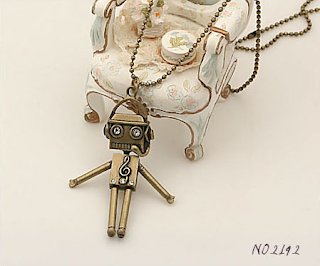 robot%2Bnecklace Accessorize away!