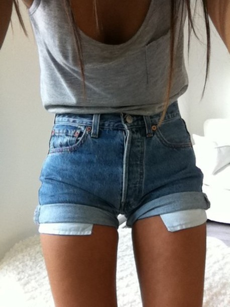 girls wearing high waisted jean shorts is this a thing
