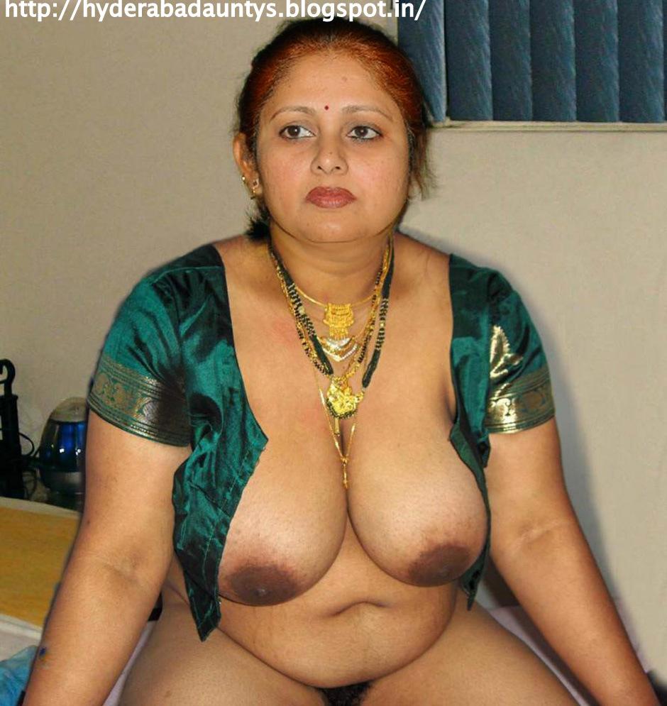 Tollywood Actress Jayasuda Showing Her Big Boobs