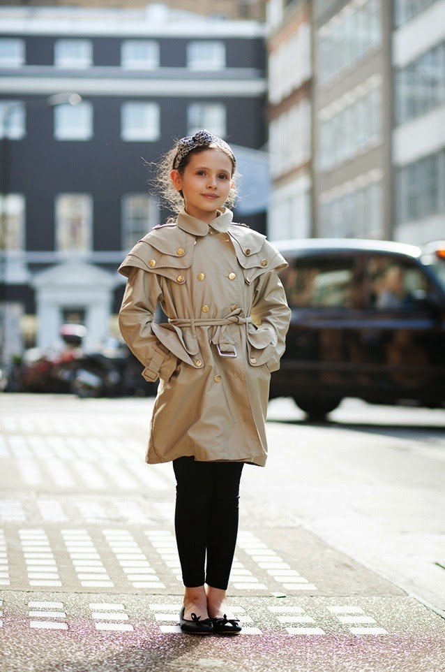Trench coat for little girls / Gabardina para niña