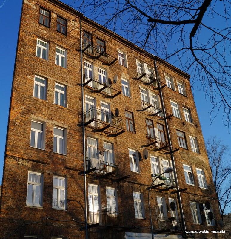 Warszawa stolica kamienice czerwona cegła Praga Północ zabytek warszawskie mozaiki