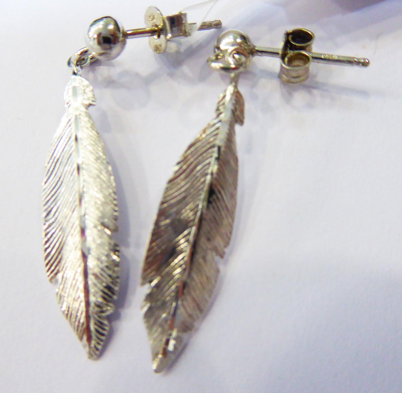 Pendientes con forma de pluma