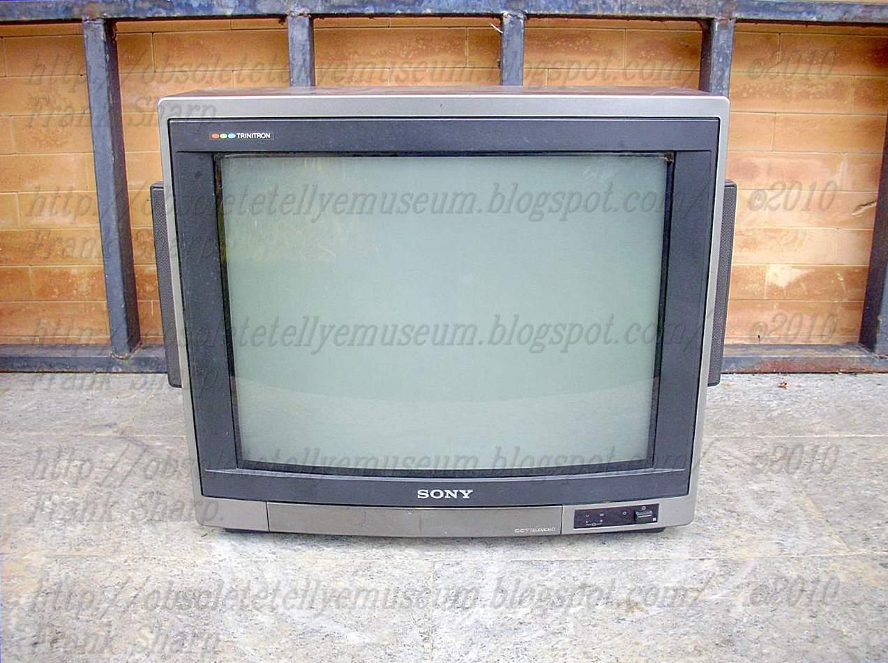 sony trinitron crt tv. sony trinitron kv-21xrta year 1986. sony trinitron crt tv i