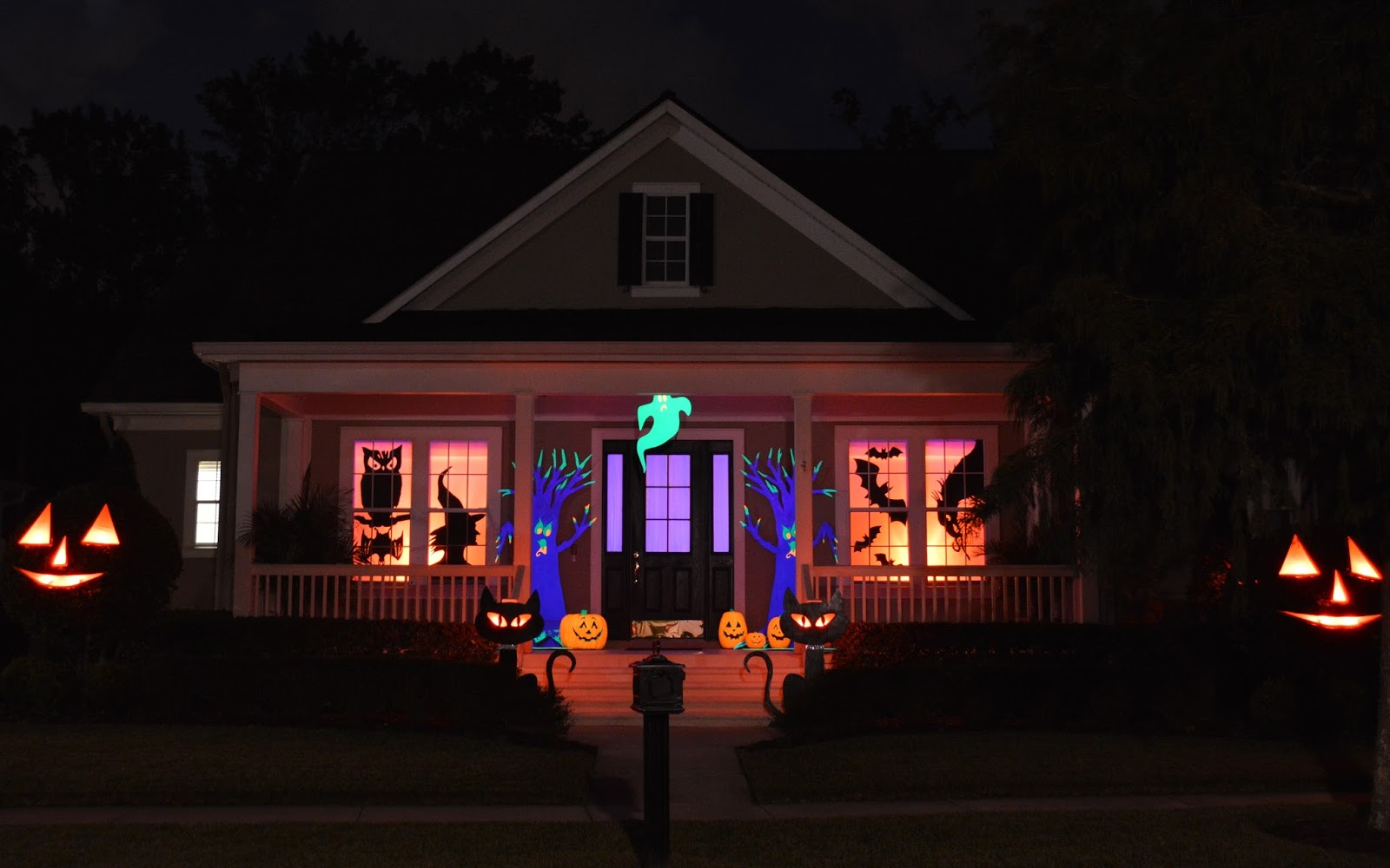 21 Rosemary Lane Outdoor Halloween Decorating