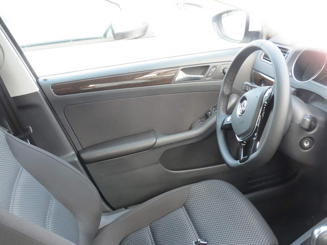 VW Jetta Comfortline 2015 - volante revestido em couro
