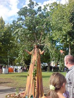 Kulturufer Friedrichshafen 2011 Human tree artist