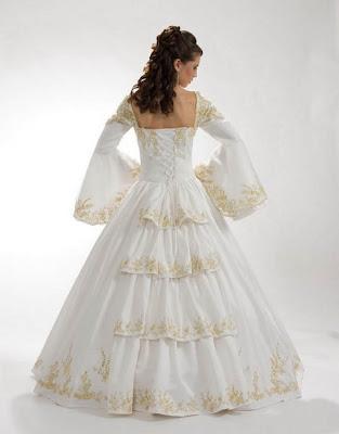 Vestido de 15 años de color Blanco Marfil