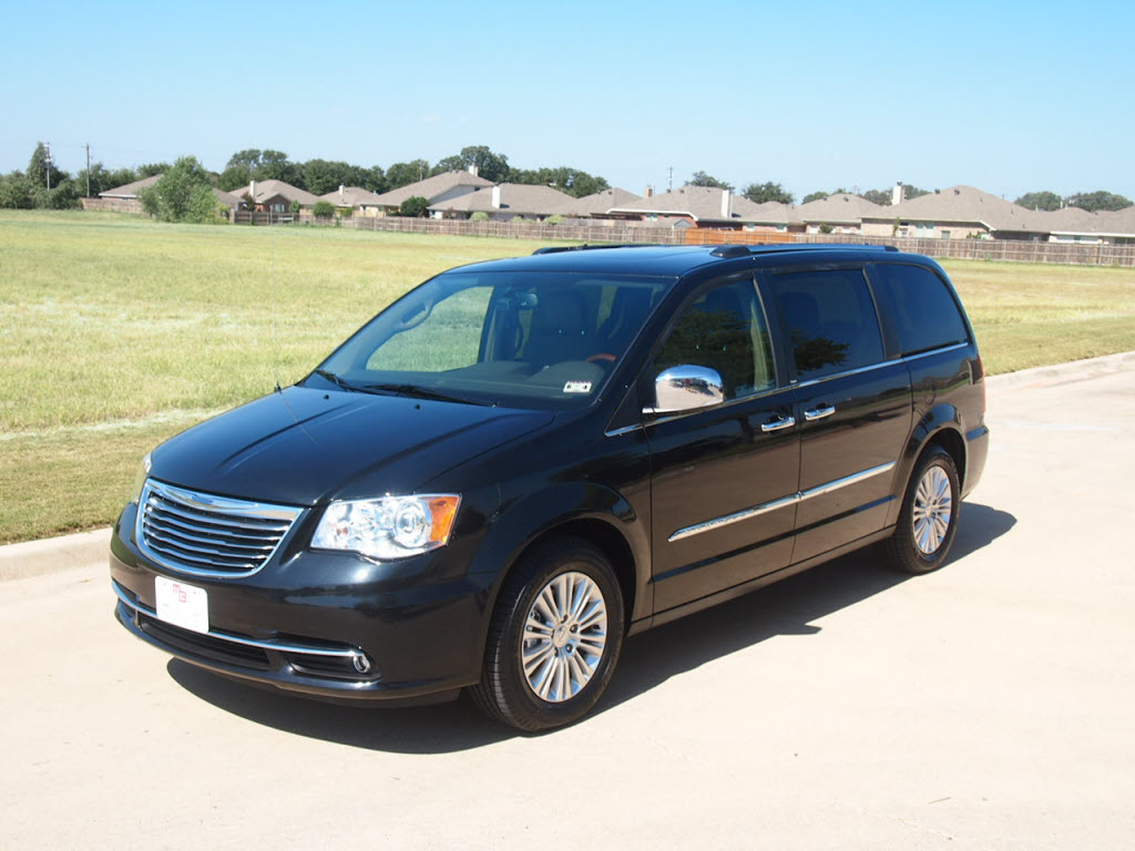 for sale 2012 chrysler town country limited 11k miles. Black Bedroom Furniture Sets. Home Design Ideas