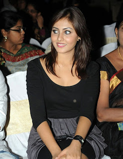 Madhu Shalini Beautiful Pictures From at Event 2