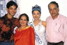 This picture when Aishwarya rai was miss world with her family
