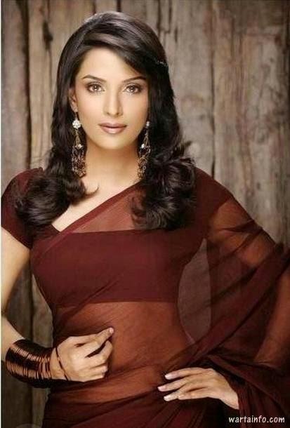 Foto hot seksi paha mulus Pooja Sharma model pakai busana transparant - wartainfo.com