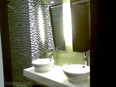 toilet at MEDIcard Skin and Body Laser and Aesthetic Care Center