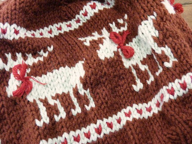 Knitting Pattern For Loose Hat : ResQCrafts: Moose Fair Isle Hat - Free Knitting Pattern