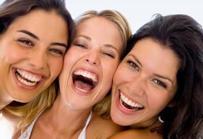 Sering Tertawa Bisa Memberi 5 Manfaat Sehat Ini