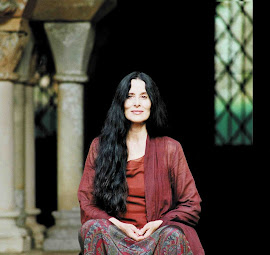 Montserrat Figueras 1948-2011
