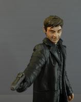 statuette collezione film serie pezzi unici giacca di pelle pistola orme magiche
