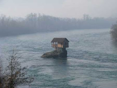 وسط نهر درينا منزل! 6.jpg