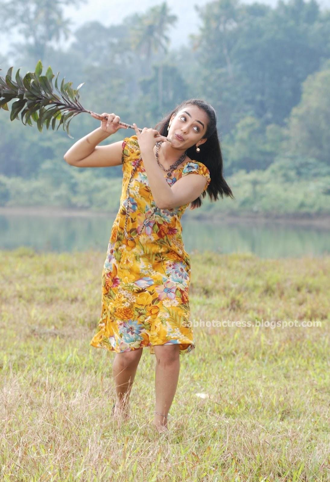 sab hot actress nithya menon hot and spicy leg show and