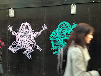 Nathan Bowen's Grafitti in Oxford Street