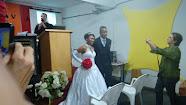 Cantando louvores e Celebrando Casamento
