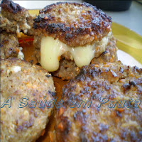 Carne, queijo e fritura: produtores de colesterol.