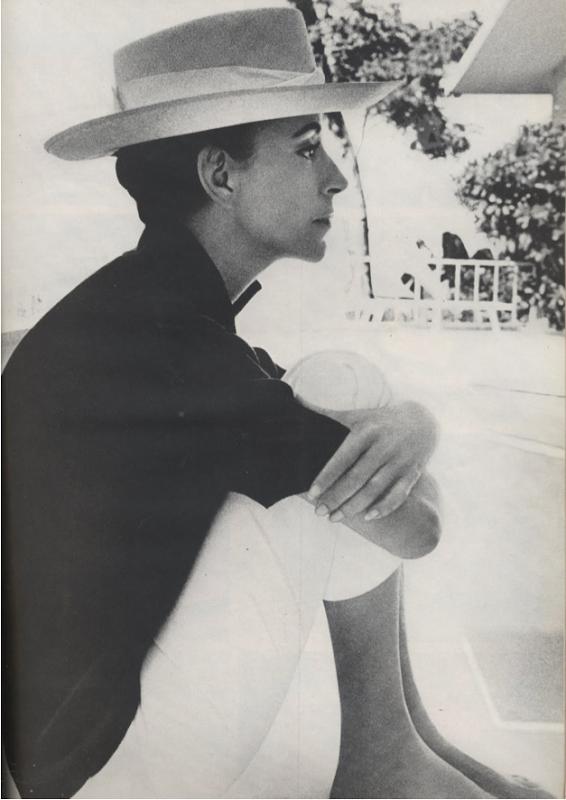 Gloria Guinness 1966 Cecil Beaton Harpers Bazaar