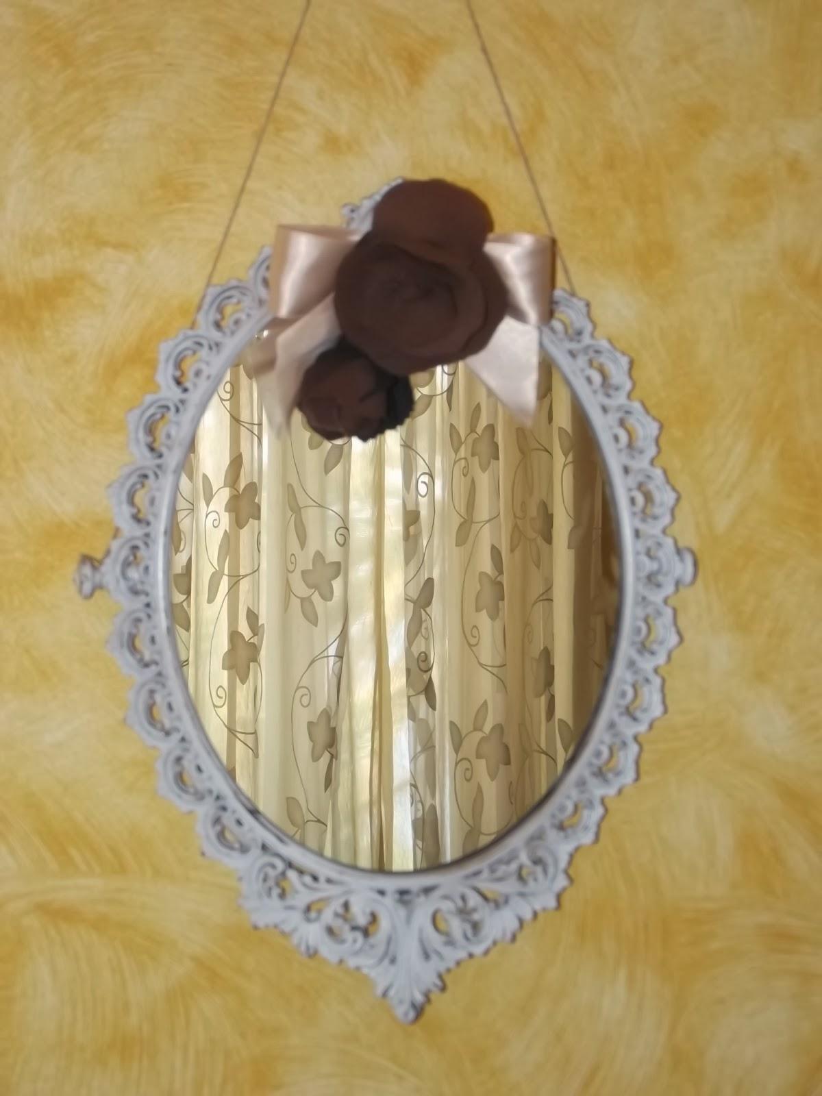 Specchio servo delle mie brame ma petite maison - Specchio ovale shabby chic ...