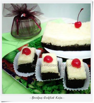 by. Nia Radin Cake