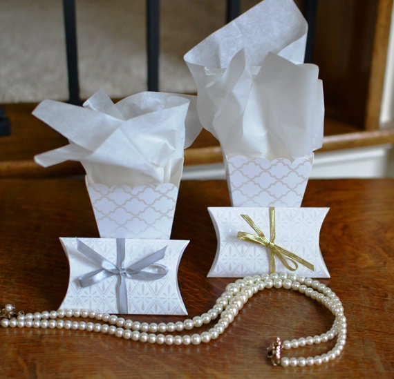 Inexpensive homemade wedding favor boxes wedding dresses gowns homemade inexpensive wedding favor box solutioingenieria Choice Image