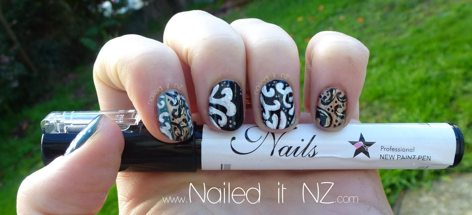 Baroque nail art + nail art pen review