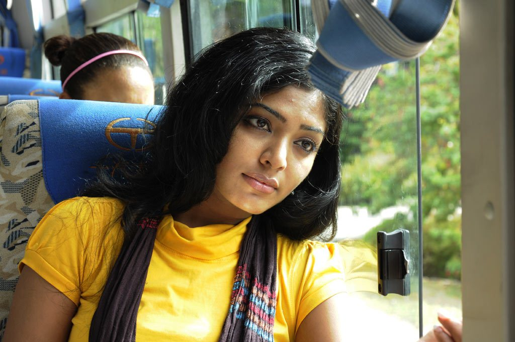 rima kallingal from yuvan yuvathi movie hot photoshoot